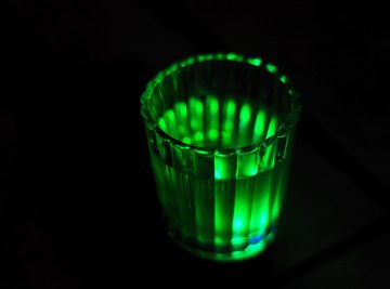 How to Make Glowing Water Without a Black Light
