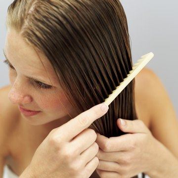 Thick hair should be parted while it is still wet so that the strands adopt the new shape.