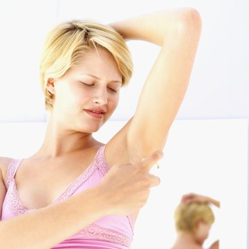 Before you wax, be sure to thoroughly clean your underarms.