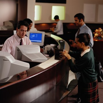 Bank of America pay raise: bank tellers will make at least ...