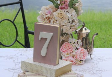 Vintage Wedding on a Budget: DIY Book Displays