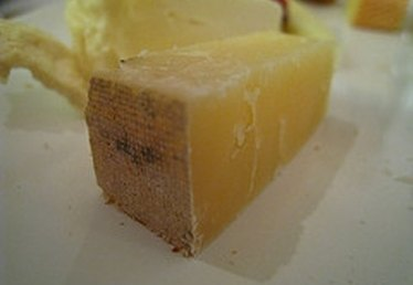 How to Make Sharp Cheddar Cheese