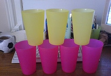 How to Clean Plastic Cups