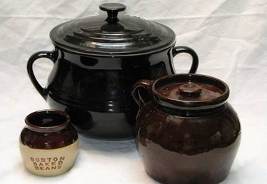 How to Cook With a Bean Pot