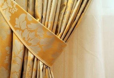 How to Use Curtain Tie-Backs