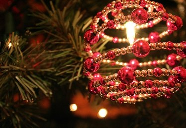 Beaded Christmas Ornaments to Make