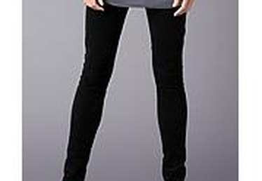 How to Wear Black Leggings