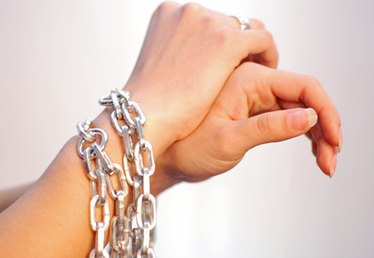 How to Make Homemade Handcuffs Using Chains