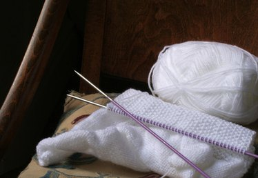 How to Knit a Pot Holder for Beginners