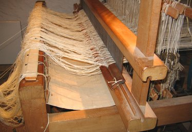 How to Build a Wooden Weaving Loom