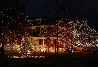 The History of Christmas Lights on Houses