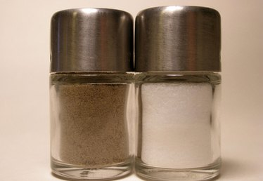 How to Know the Value of a Salt and Pepper Shaker Set