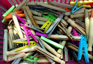 How to Paint Clothespins