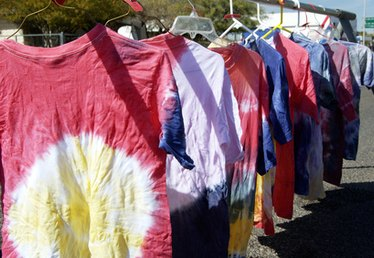 How to Tie Dye Printed Shirts