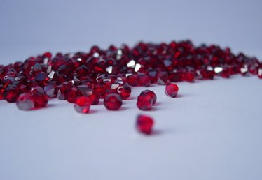 How to mix the color garnet
