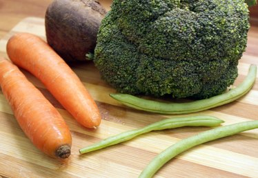 How to Steam Vegetables in a Pressure Cooker