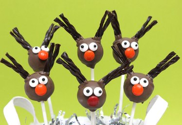 Cute Reindeer Cake Pops Tutorial