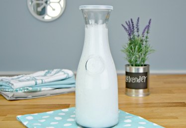 Easy & Inexpensive Liquid Fabric Softener Tutorial