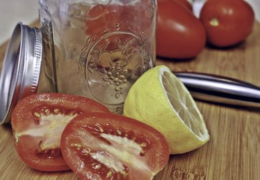 How to Make Tomato Juice From Fresh Tomatoes