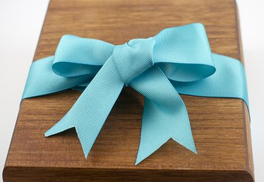 How to Make a Simple Bow