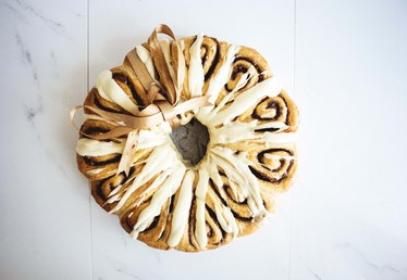How to Make a Cinnamon Roll Wreath