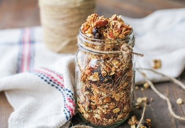 How to Make Heart-Healthy Granola