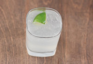 How to Make a Classic Gin and Tonic