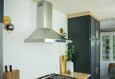 How to Install Ductless Range Hoods