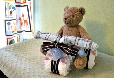 How to Make a Mini Tricycle Diaper Cake
