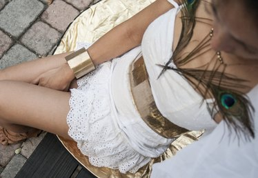 How to Make a Costume of the Greek Goddess Hera