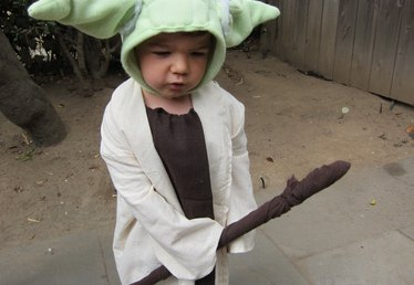 How to Make a Kid's Yoda Costume
