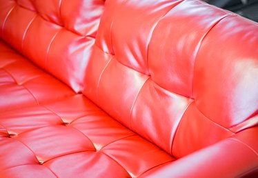 How to Decorate a Living Room With a Red Leather Couch or Sofa