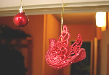 How to Hang Christmas Ornaments From the Ceiling With Magnets