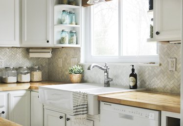 How to Install a Kitchen Tile Backsplash