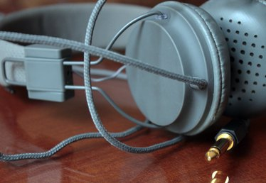 How to Turn Your Wired Headphones Into Wireless