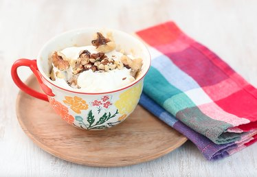 How to Make Carrot Cake in a Mug