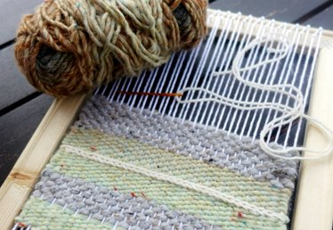 DIY Simple Weaving Loom Tutorial