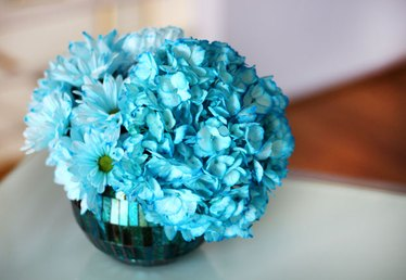 How to Dye Flowers to Any Color You Want