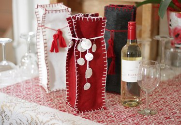 Easy Hand-Sewn Felt Gift Bag Tutorial