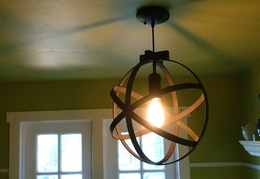 Stylish Pendant Light Using Embroidery Hoops Tutorial