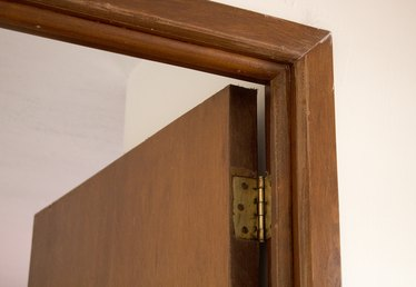How to Replace a Wooden Door Frame