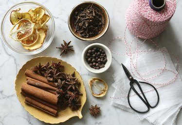 How to Make Mulling Spices