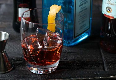 How to Make a Negroni Cocktail