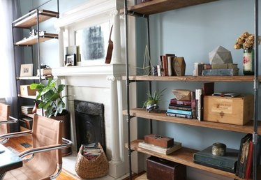 How to Make a Freestanding Industrial Pipe Bookcase