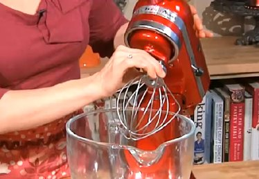 How to Use KitchenAid Mixers