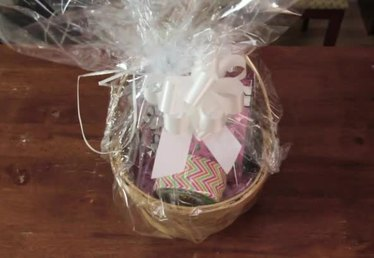 How to Make Baskets for Raffles