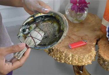 How to Use a White Sage Smudge Stick
