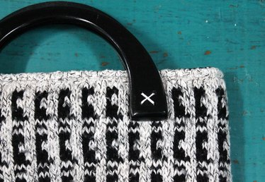 Create a Winter Tote from an Old Houndstooth Sweater