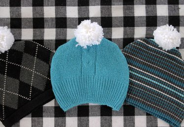 DIY Pompom Sweater Hat