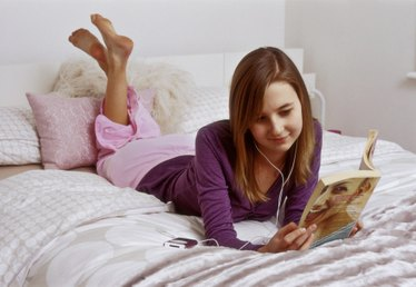 Should Your Kids Use Audiobooks? Is it Cheating?